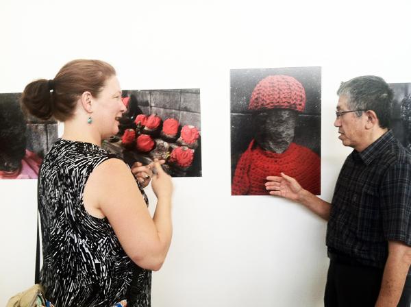 Hibaku Jizo Photo Exhibition Shimizu Viewer