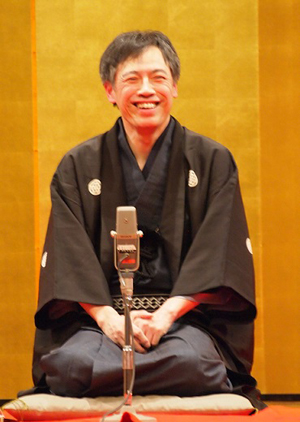Kanariya Eiraku will lead a company from Japan to recite Japanese stories in English. (Photo courtesy of the artist)