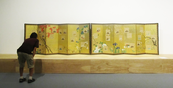 Sakai Hoitsu (1761-1828) The Thirty-six immortal Poets with Flowering Plants. A Pair of six-panel folding screens. 18th – 19th century. The Price Collection. (Cultural News Photo)