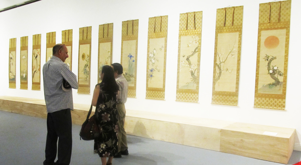 Sakai Hoitsu (1761-1828) Birds and Flowers of the Twelve Months. 18th -19th century. Twelve hangings scrolls. The Price Collection. (Cultural News Photo)
