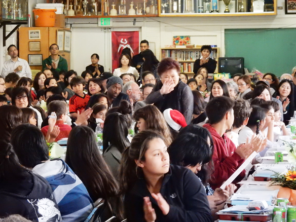 More than 300 people including 165 students, school staffs, their parents, supporters and dignitaries packed the auditorium for the 90th anniversary of Japanese Institute of Sawtelle or Sawtelle Gakuin. (Cultural News Photo)