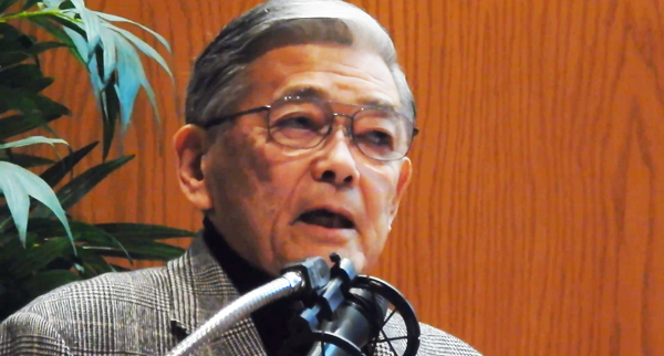 Mr. Norman Mineta spoke out to oppose the sale of Keiro facilities on Jan. 23 in a Little Tokyo meeting. (Cultural News Photo)
