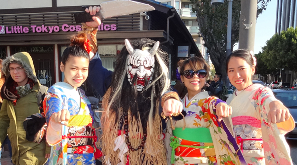 "Japanese folklore ""Namahage"" is performed by Jimmy Pearly Stately of Los Angeles on New Year's Day event at Little Tokyo, Los Angeles. (Courtesy of Namahage L.A.)"